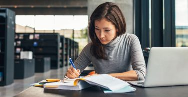 5-part-time-jobs-great-for-college-students