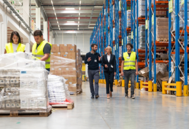 A-day-in-the-life-of-a-fulfillment-warehouse-worker